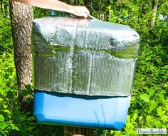 DIY Insulated Ice Chest Cooler Cover Tutorial - Need to keep food cold while camping or travel? Extend the life of the ice in your ice chest while outdoors or in hot weather with this DIY Insulated Cooler Cover. It really works! Diy Camping, Camping Crafts, Camping Hacks, Camping Parties, Camping Ideas, Camping Kitchen, Camping Stuff, Camping Essentials, Camping Supply List