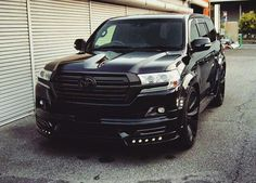 I want this in my Garage Toyota 4runner, Toyota Lc, Toyota Trucks, 4x4 Trucks, Toyota Land Cruiser, Cruiser Car, Land Cruiser 200, Chevrolet Silverado, Best Off Road Vehicles
