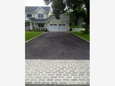 Belgian Block and Pavers - Dressing Up an Asphalt Driveway - All About The House Driveway Edging, Stone Driveway, Paver Walkway, Driveway Entrance, Gravel Driveway, Driveway Landscaping, Modern Landscaping, Landscaping Design, Driveway Apron