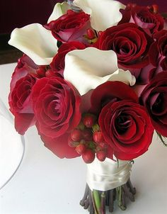 For a traditional wedding, we love red roses!