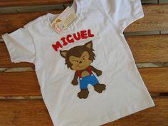 Camiseta fofaaa , personalizada !!!!  Lobo mau com cara de bonzinho ! faço qualquer tamanho R$ 45,80