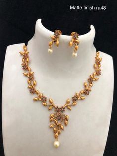 Neckakce available at For booking msg on 9619291911 Jewelry Design Earrings, Gold Earrings Designs, Necklace Designs, Gold Jewellery, Temple Jewellery, Antique Jewellery Designs, Gold Bangles Design, Gold Jewelry Simple, Gold Necklace