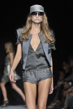 ☆ Abbey Lee Kershaw | Costume National | Spring/Summer 2010 ☆ #Abbey_Lee_Kershaw #Costume_National #Spring_Summer_2010 #Catwalk #Model #Fashion #Fashion_Show #Runway #Collection