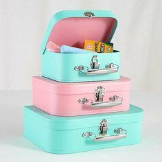 des valises pour y ranger les jouets