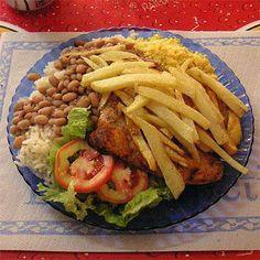As mais saborosas refeições você encontra em nossa página de restaurantes. Acesse : http://www.anunciorapidoja.com/#!bares-e-restaurantes/c168f