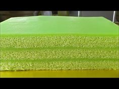 The fluffiest pandan cake, plus the creamiest kaya custard. How to assemble a beautiful pandan kaya cake? Cake Videos, Food Videos, Pandan Layer Cake, Layer Cakes, Kaya, Yellow Foods, Asian Desserts, Cake Flour, Cake Ingredients