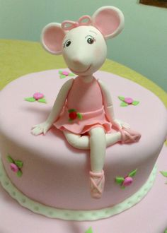Angelina Ballerina modelada en cerámica en frío. Thomas Birthday Cakes, First Birthday Cakes, Birthday Cake Girls, Birthday Cake Toppers, Angelina Ballerina, Ballerina Birthday Parties, Ballerina Party, Princess Theme Cake, Princess Cakes