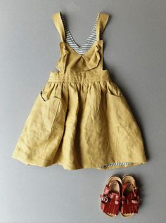 Inspired by my daughter and my background as a textile artist I have produced a range of alternative style baby clothes. I wanted to use designs and colours which were not your average for babies. This is the You Are Small Linen Pinafore Dress! Fashion Kids, Little Girl Fashion, Outfits Niños, Outfits For Teens, Style Baby, Girl Style, Pinafore Dress, Kid Styles, Kids Wear