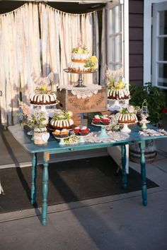 Nothing bundt cakes nothing bundt cake wedding rustic wedding wood creates rustic dessert table