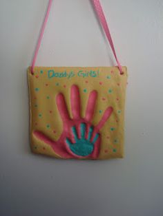 Fun and easy craft! Mommy and Me Salt Dough Plaque!