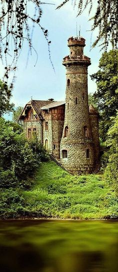 z- Les Kralovstvi Schloss, Czech Republic