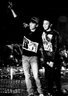Seungri and Gdragon Concert in Seoul 131003 Gd Bigbang, Daesung, Korean K Pop, Korean Wave, Gd Et Top, Concerts In Seoul, Big Bang, Love My Boys, Half Blood