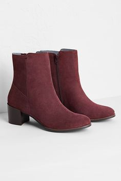 Women's clothing, raincoats, footwear and accessories. Clothes For Sale, Clothes For Women, Midi Length Skirts, Leather Boots, Winter Fashion, Shoes Sandals, Raincoat, Ankle Boots, Footwear