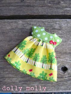 Items similar to dolly molly TREES dress or top for BLYTHE doll on Etsy Girl Doll Clothes, Doll Clothes Patterns, Clothing Patterns, Waldorf Dolls, Barbie Dress, Blythe Dolls, American Girl, Trees, Summer Dresses