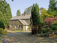 LAKESIDE COTTAGE, spacious cottage with hot tub, woodburner, large garden, near Lake Windermere, Newby Bridge Ref 906452 - Lakeside Holiday Cottages - TripAdvisor