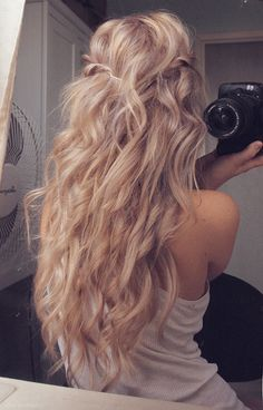 Need to start growing my hair out again need it long and pretty like this