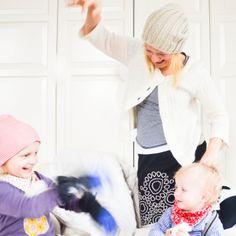 Klar, dass es mit unserem Schummel-Schnee auch eine ordentliche Schummel-Schnee-Schlacht im Kinderzimmer gab. Das macht ebenso viel Spaß, wie eine echte, ist aber kuscheliger. Und kitzeliger...