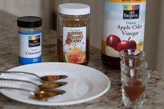 Egy órán belül hírmondója sem marad a betegségnek! Natural Remedies For Allergies, Allergy Remedies, Vinegar And Honey, Apple Cider Vinegar, Weight Loss Drinks, Healthy Weight Loss, Ear Drainage, Honey Drink, Natural Health Tips