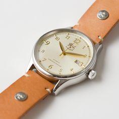 腕時計(フェイス) | Others | SMALL LEATHER GOODS | STANDARD COLLECTION | IL BISONTE (イル ビゾンテ) 日本公式オンラインストア