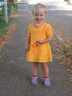 Háčkované šatičky oranžové 1-2 roky