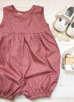 Baby Dress Patterns, Baby Clothes Patterns, Kids Dress Wear, Little Girl Dresses, Baby Girl Fashion, Kids Fashion, Fashion Sewing, Fashion Clothes, Fashion Outfits