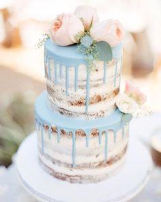 THIS is the most beautiful pie trend of the season: Drip Cakes- DAS ist der schönste Torten-Trend der Saison: Drip Cakes Naked cake with blue dripping – the latest trend among wedding cakes. Rustic and very nice! Drip Cakes, Bolo Drip Cake, Bolo Cake, Pretty Cakes, Beautiful Cakes, Amazing Cakes, Gateau Baby Shower Garcon, Nake Cake, Wedding Cake Inspiration
