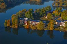 Aerials of Southern Illinois University Campus and Southern Illinois Region Thompson Point Residence Halls University Housing, Southern Illinois, College Life, Aerial View, Places Ive Been, River, Senior Year, Colleges, Dorm Room