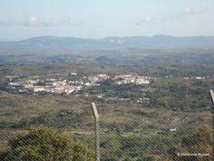 Santo Antonio Areias - walking in #Marvao #SMamedeNP #Marvao #Alentejo #Portugal #travel #hotel #BoutiqueHotelPoejo
