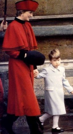 1986-12-28 Diana and William at Sandringham Church for the Sunday Service