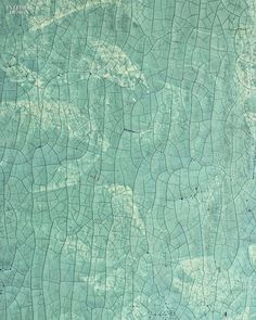 Super Graphics: 96 Off-the-Wall Fabrics and Wallcoverings | Joe Fenzl's Raku II crackle-texture clay-coated wallpaper by Ravissant Wallcoverings.  #design #interiordesign #interiordesignmagazine