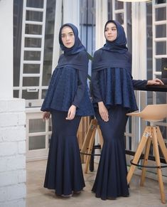 @hamidahrachmayanti Abaya Fashion, Muslim Fashion, Boho Fashion, Fashion Dresses, Kebaya Modern Hijab, Kebaya Muslim, Kebaya Dress, Hijab Dress, Modest Maxi Dress