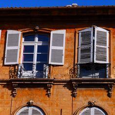 Façade Aix En Provence, août 2016. Photo prise par Valérie Coutrot