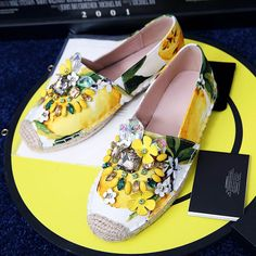 60.00$  Watch here - http://ali6ln.shopchina.info/go.php?t=32810582344 - 2017 Women Round Toe Ballerinas Flats Casual Women Fashion Designer Rhinestones Espadrilles Shoes Ladies Ballet Flats For Women  #buymethat