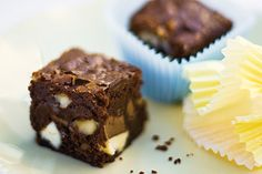 Chocolate brownies These nutty brownies are just as beautiful to look at as to eat with all the different coloured chocolate. How To Make Brownies, Best Brownies, Chocolate Brownies, Cooking Chocolate, Melting Chocolate, Tasty Bites, Just Cooking, I Love Food, Sweet Recipes
