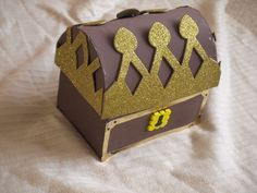 How to make a pirate treasure chest from a cardboard box *Just had some trouble with the lid, but it worked out for the most part!