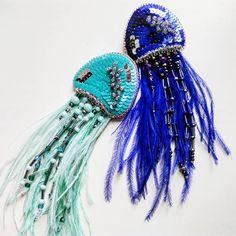 Елена дизайнер по вышивкеさんはInstagramを利用しています:「Просто моя новая любовь! Завтра покажу ещё в одной расцветке! #mad_hatter_accessories #embroidery #handembroidery #brooch #handwork…」