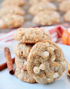 Introducing your new favorite fall treat, Pumpkin Spice Cookies with White Chocolate Chips! This recipe is easy to make in 30 minutes! Pumpkin Cranberry Bread, Savory Pumpkin Recipes, Homemade Pumpkin Pie, Homemade Cookies, Cheesecake Swirl Brownies, Pumpkin Cheesecake, Apple Monkey Bread, Fun Desserts, Dessert Recipes