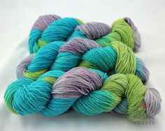 Peacock Delight Hand dyed sock yarn superwash by Arctickrafts