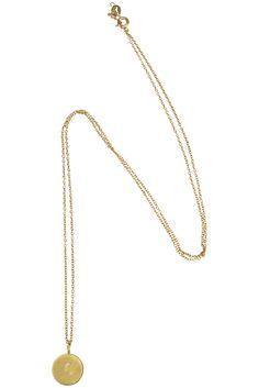 Forgyldt sølv halskæde med bogstav mønt vedhæng via Simply by Charlotte. Click on the image to see more!