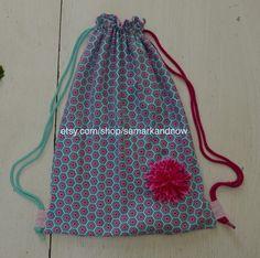 Ein fröhlicher Turnbeutel / Rucksack ist immer ein passendes Geschenk
