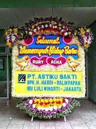 Kirim Bunga Ke Wedding House The Kartipah Bandung Online Flower Shop, Home Wedding, Jakarta, Wedding Anniversary, Birthday Candles, Flowers, Gardening, Haha, Wedding At Home