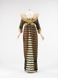 Evening dress Paul Poiret 1910 Brooklyn Museum Costume Collection at The Metropolitan Museum of Art,