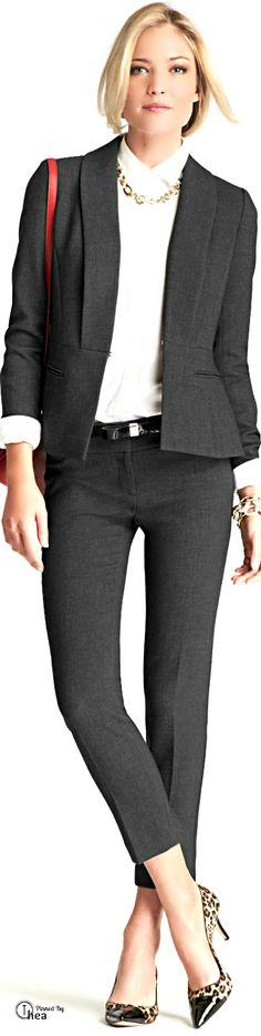 Ann Taylor ● 2014 (love that collar! Business Professional Outfits, Business Chic, Business Attire, Business Fashion, Office Fashion, Work Fashion, Beautiful Outfits, Cool Outfits, Modest Outfits