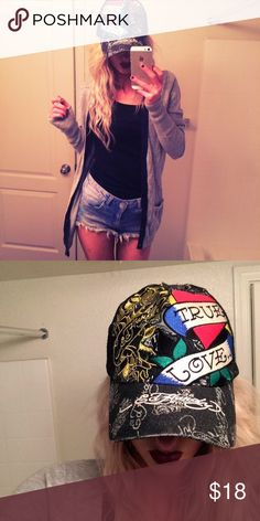 ❤️True love ed hardy hat ❤️True love ed hardy hat. One size fits all. Mesh back. Adjustable snap back. Perfect new condition. Ed Hardy Accessories Hats