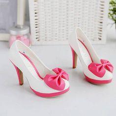 Super cute heels.