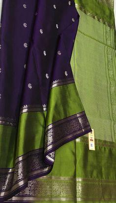 New Saree Blouse Designs, Saree Kuchu Designs, Bridal Blouse Designs, Indian Bridal Sarees, Indian Silk Sarees, Soft Silk Sarees, Saree Wearing Styles, Sarees For Girls, Latest Silk Sarees