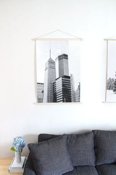 Make big prints and secure them on a wooden scroll frame. 19 Gorgeous Ways To Display Your Favorite Travel Photos Hanging Wall Art, Diy Wall Art, Wall Decor, Diy Art, Earthy Home, Diy Home Security, Wall Drawing, Photo Displays, Travel Photos
