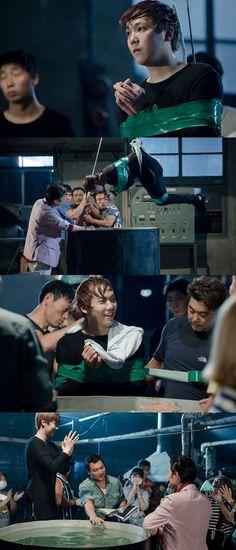 """Lee Hong Ki being tortured in """"Modern Farmer"""""""