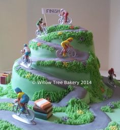 A cake about cycling and books - Le Tour De France in sugarpaste!