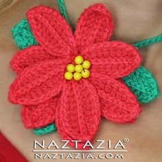 Poinsettia Flower - free crochet pattern plus video tutorial by Naztazia. Embellishment for hats, scarves, necklaces, headbands, etc. The petals are made in one continuous piece that you then twist together at the end to form the flower. Crochet Crafts, Yarn Crafts, Crochet Yarn, Crochet Projects, Crochet Flower Patterns, Crochet Flowers, Yarn Flowers, Poinsettia Flower, Holiday Crochet